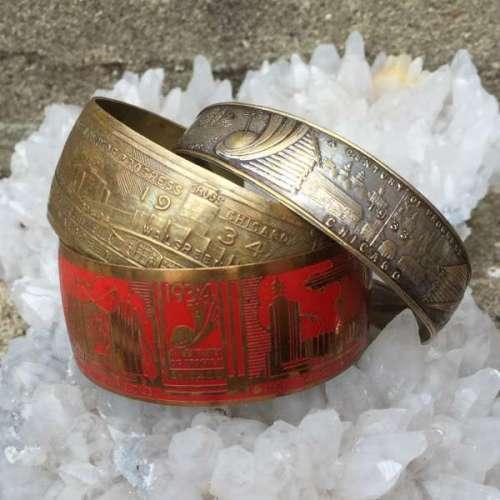 Vintage Garage Chicago Celebrates Retro With World S Fair Bracelets