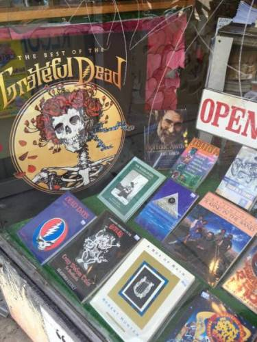 October is about records and vinyl at Vintage Garage Chicago. Grateful dead shown here.