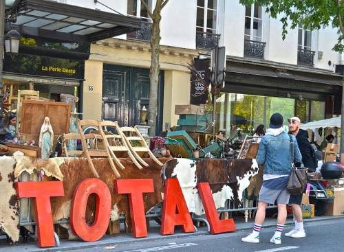 Pop up market in Paris, another typical Sunday Flea Market. There aren't as many flea markets in NYC as you would expect.