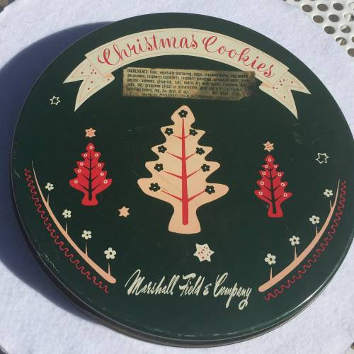 Vintage cookie tin from Marshall Fields. Christmas Trends 2015.